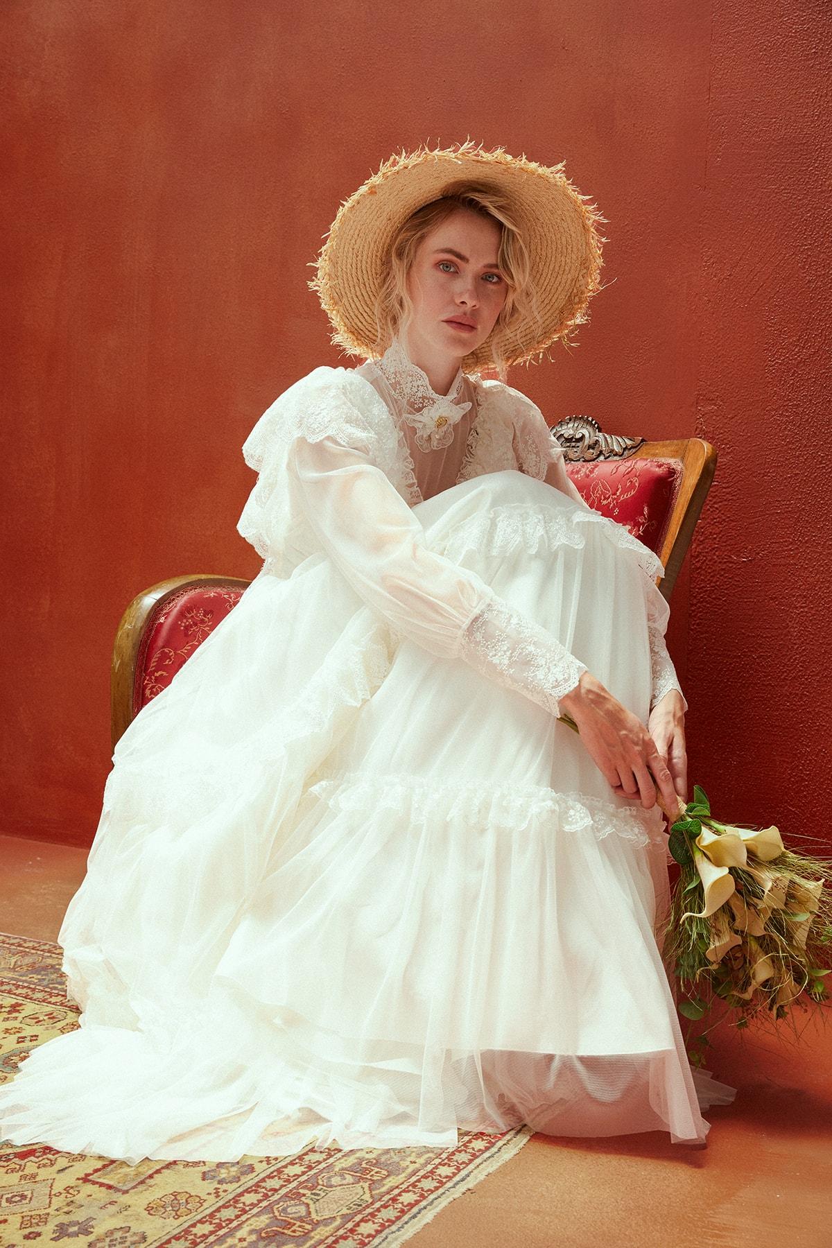 JAQAR Kadın Krem Vintage Aksesuar Detaylı Transparan Gelinlik 1