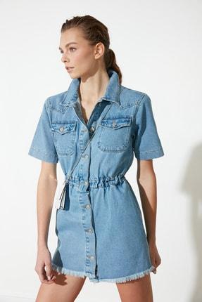 TRENDYOLMİLLA Mavi Püsküllü Mini Denim Elbise TWOSS21EL2312