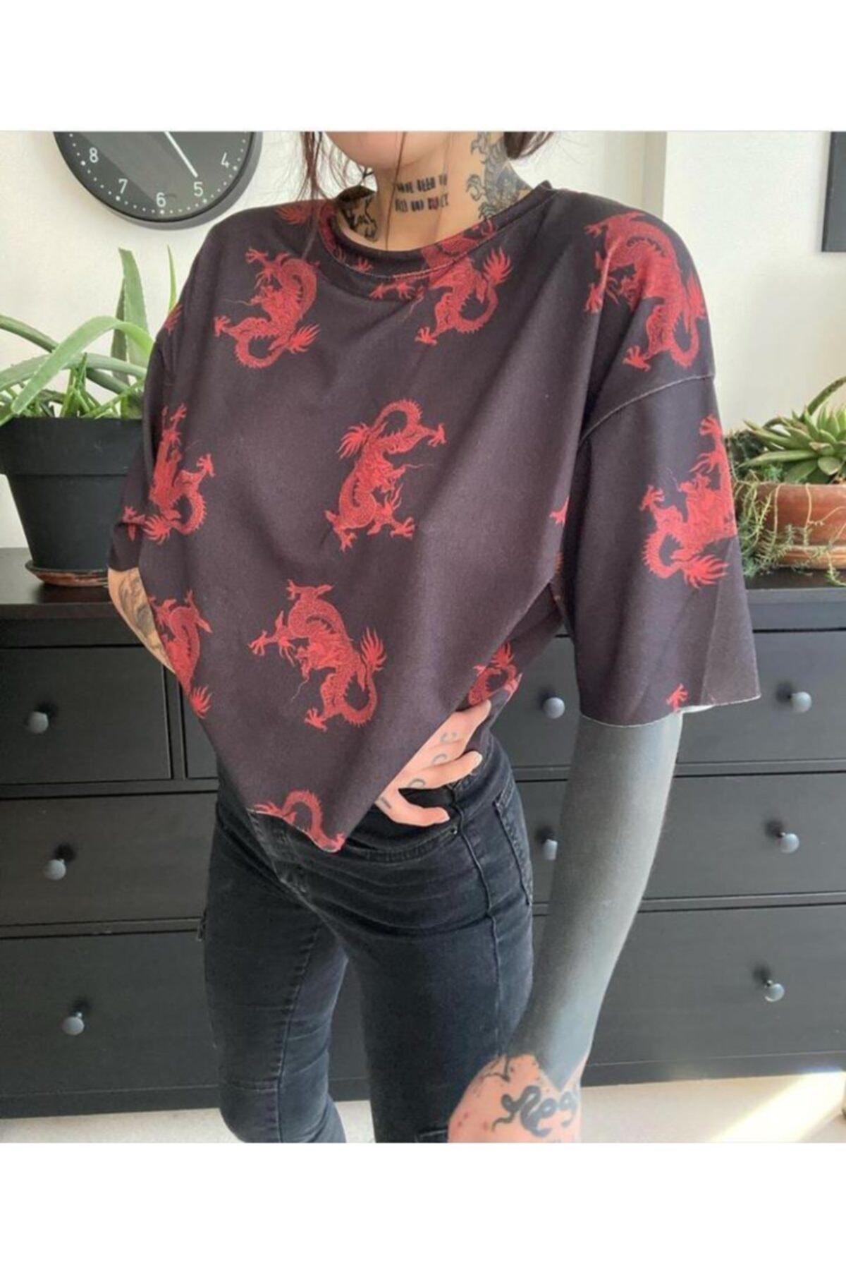 cartoonsshop Kadın Ejderha Detay T-Shirt 1