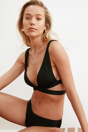 TRENDYOLMİLLA Siyah Bant Detaylı Bikini Üstü TBESS21BU0123