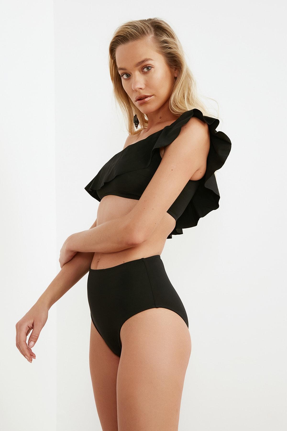 TRENDYOLMİLLA Siyah Bağlama Detaylı Yüksek Bel Bikini Altı TBESS21BA0057 2