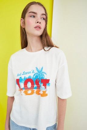 TRENDYOLMİLLA Ekru Baskılı Loose Örme T-Shirt TWOSS21TS0134