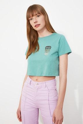 TRENDYOLMİLLA Mint Nakışlı Crop Örme T-Shirt TWOSS21TS0120