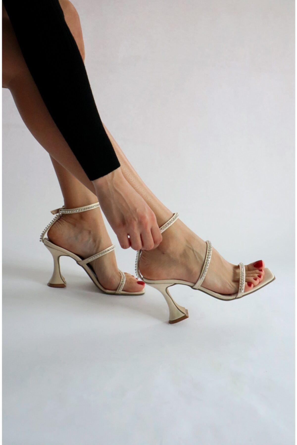 Burhan Atan Bej Saten Taş Detaylı Sandalet 2