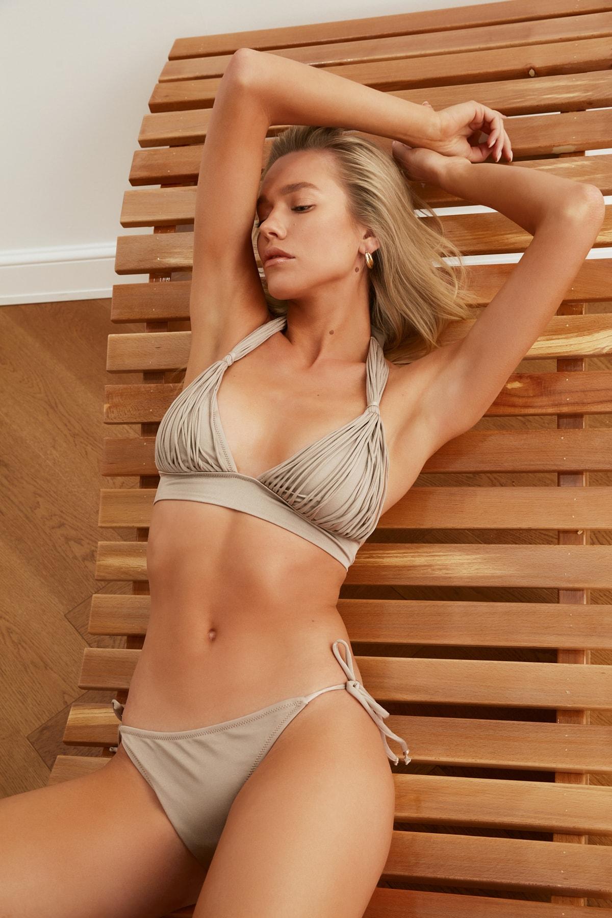 TRENDYOLMİLLA Vizon Bağlama Detaylı  Bikini Altı TBESS21BA0170 1