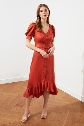 TRENDYOLMİLLA Kiremit Kemerli Düğmeli Elbise TWOSS20EL2520