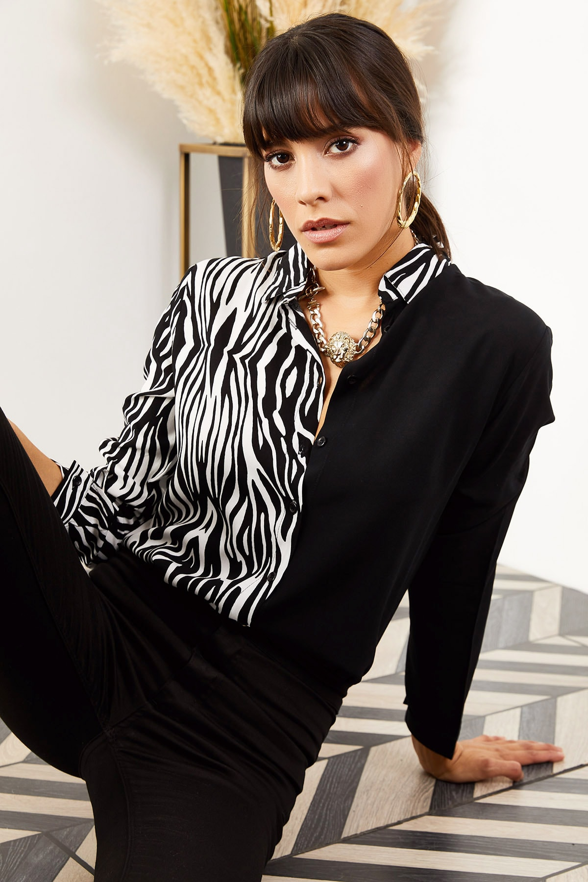 Olalook Kadın Siyah Zebra Renk Bloklu Viskon Gömlek GML-19000804 1