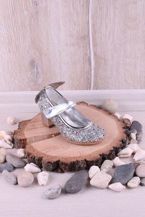 Akıllı Şirin Kız Çocuk Gümüş Taş İşlemeli Kelebek Figürlü Abiye Ayakkabı