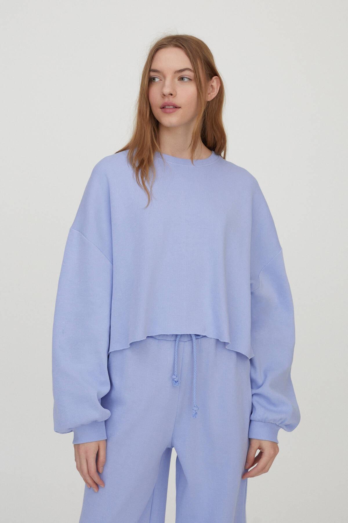 Pull & Bear Kadın Lavanta Geniş Kollu Crop Fit Sweatshirt 04591371