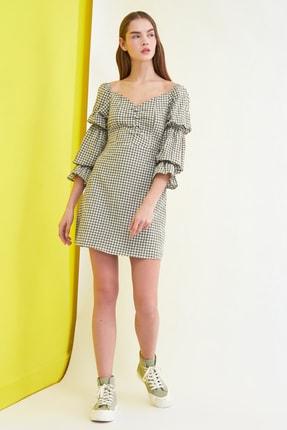 TRENDYOLMİLLA Haki Kareli Kol Detaylı Elbise TWOSS21EL0602