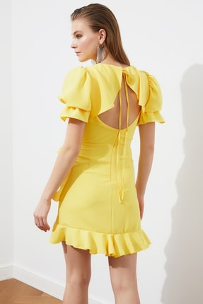 TRENDYOLMİLLA Sarı Sırt Detaylı Elbise TPRSS21EL1435