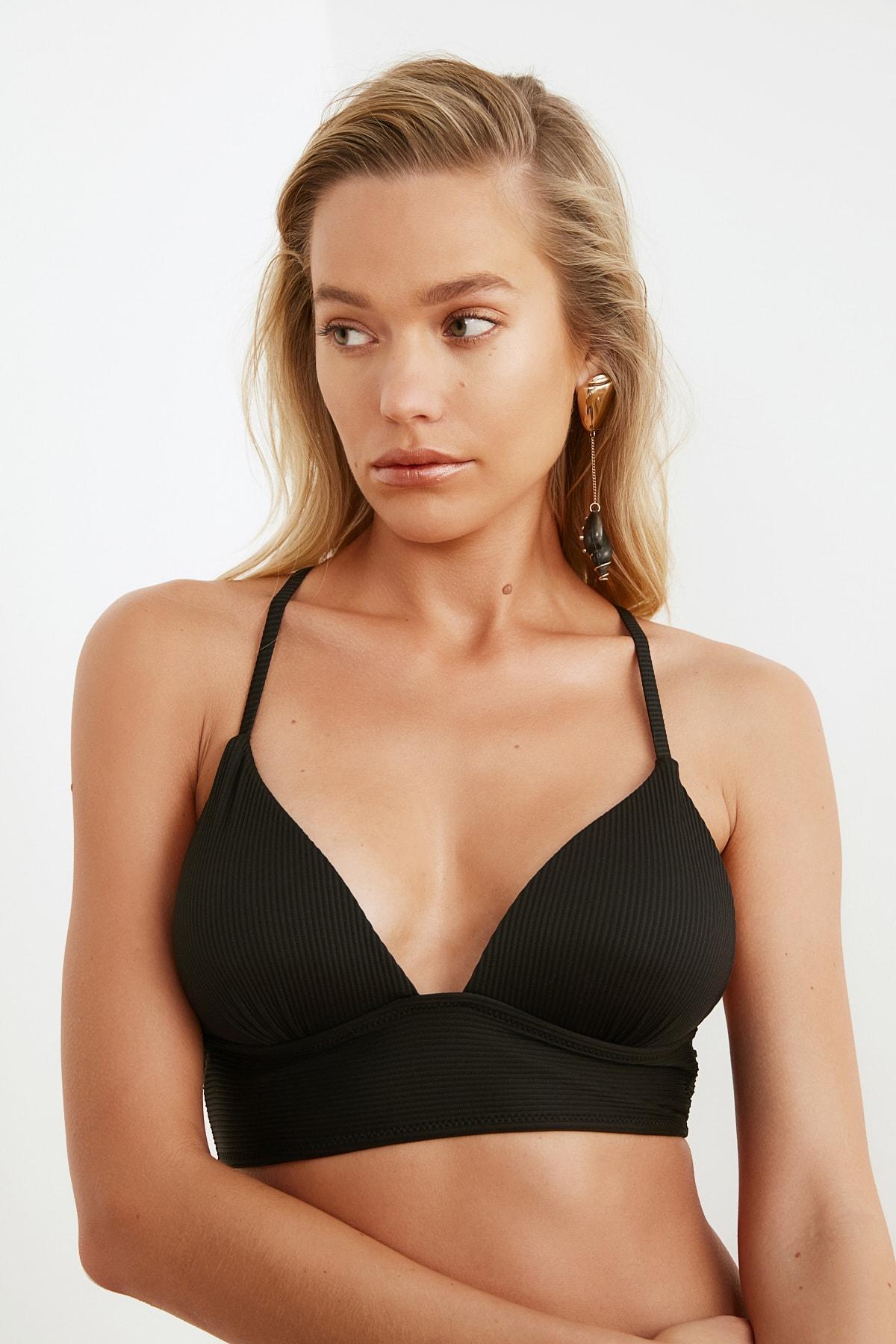 TRENDYOLMİLLA Siyah Dokulu Bikini Üstü TBESS21BU0010 1