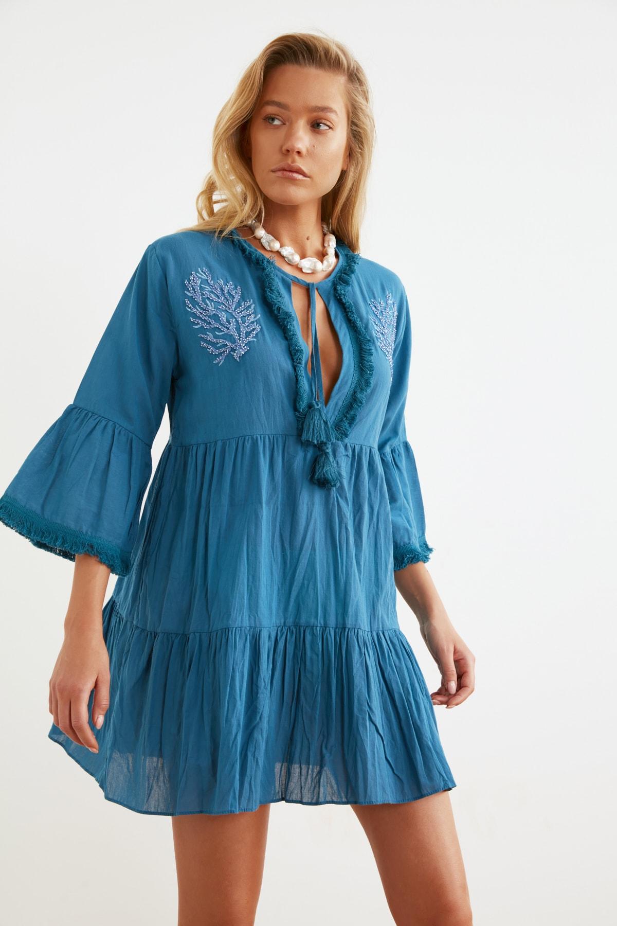 TRENDYOLMİLLA Koyu Mavi Boncuk Nakışlı Vual Plaj Elbisesi TBESS21EL1351 2