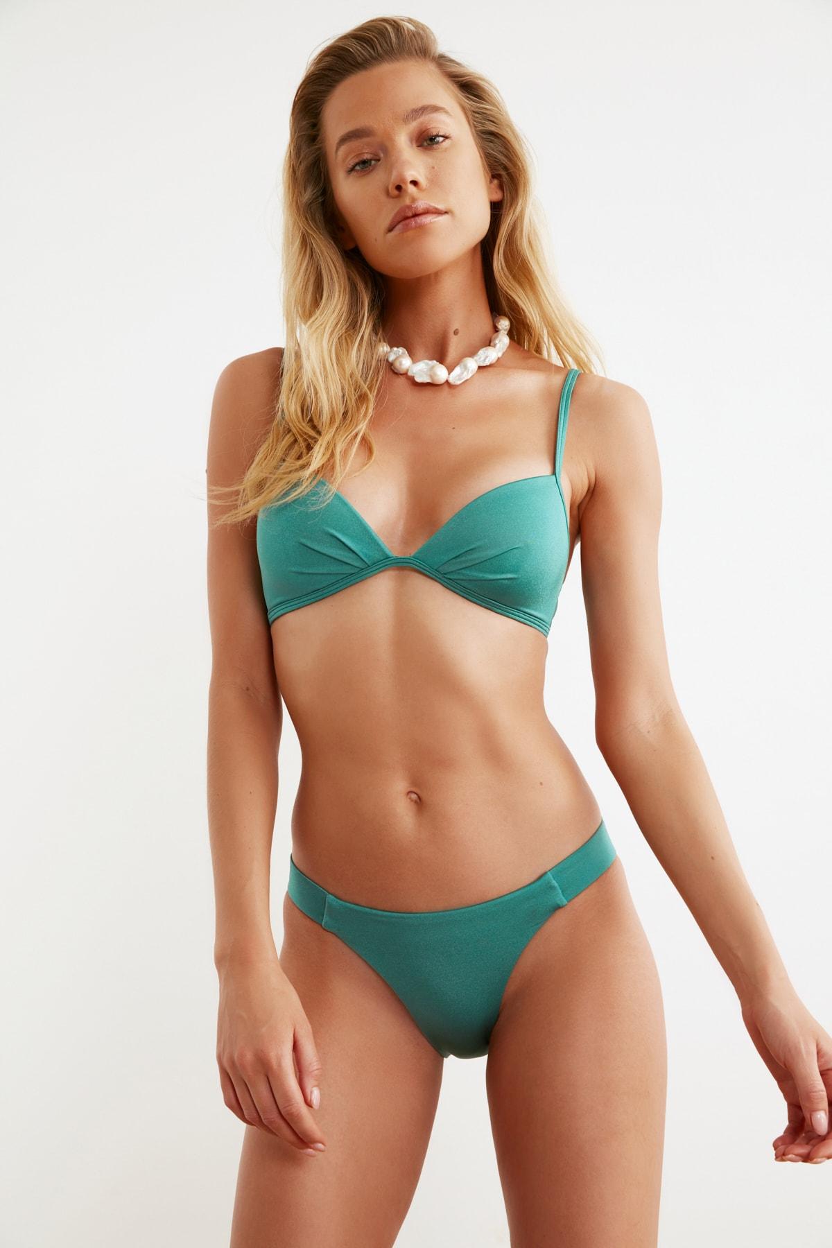 TRENDYOLMİLLA Yeşil Normal Bel Bikini Altı TBESS21BA0039 1