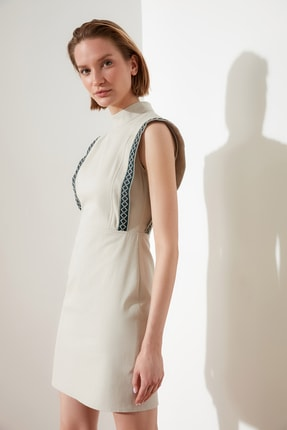 TRENDYOLMİLLA Ekru Kol Detaylı Elbise TWOSS21EL0488