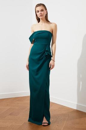TRENDYOLMİLLA Zümrüt Yeşili Volan Detaylı Abiye & Mezuniyet Elbisesi TPRSS21AE0010