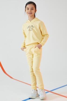 DeFacto Kız Çocuk Sarı Yazı Baskılı Organik Sweatshirt Ve Jogger Eşofman Alt Takımı