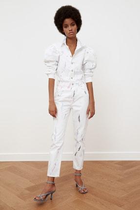 TRENDYOLMİLLA Beyaz Gömlek Yaka Batik Yıkamalı Denim Tulum TWOSS21TU0081