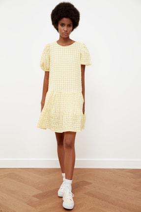 TRENDYOLMİLLA Sarı Kareli Balon Kollu Elbise TWOSS21EL1570
