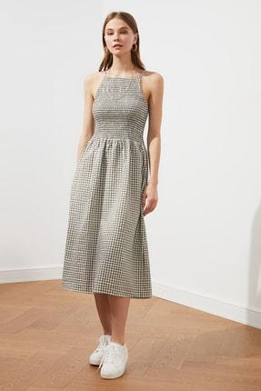 TRENDYOLMİLLA Çok Renkli Kareli Gipeli Elbise TWOSS21EL1076