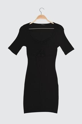 TRENDYOLMİLLA Siyah Bağlama Detaylı Fitilli Örme Elbise TWOSS21EL1048
