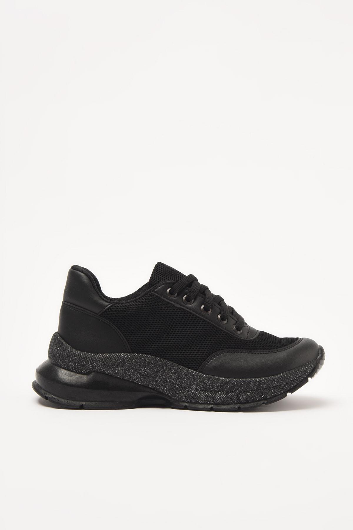 Yaya  by Hotiç Siyah Kadın Sneaker 01AYY209250A100 2