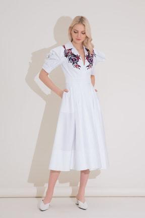 xGIZIA Volan Kol Detaylı Nakışlı Beyaz Midi Elbise