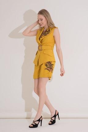 xGIZIA Kadın Sarı Nakış Detaylı Keten Bermuda Şort