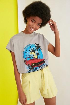 TRENDYOLMİLLA Gri Baskılı Basic Örme T-Shirt TWOSS21TS1068