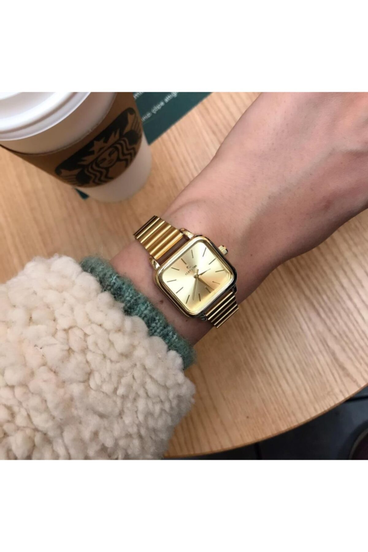 OQQO Minimal Kare Altın Kadın Kol Saati 1