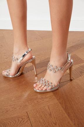 TRENDYOLMİLLA Gümüş Taşlı Şeffaf Kadın Klasik Topuklu Ayakkabı TAKSS21TO0026