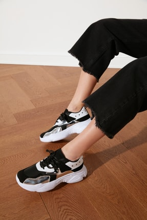 TRENDYOLMİLLA Siyah Kadın Sneaker TAKSS21SN0009