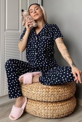 Pijamaevi Kalp Desenli Önden Düğmeli Kısa Kol Kadın Pijama Takımı