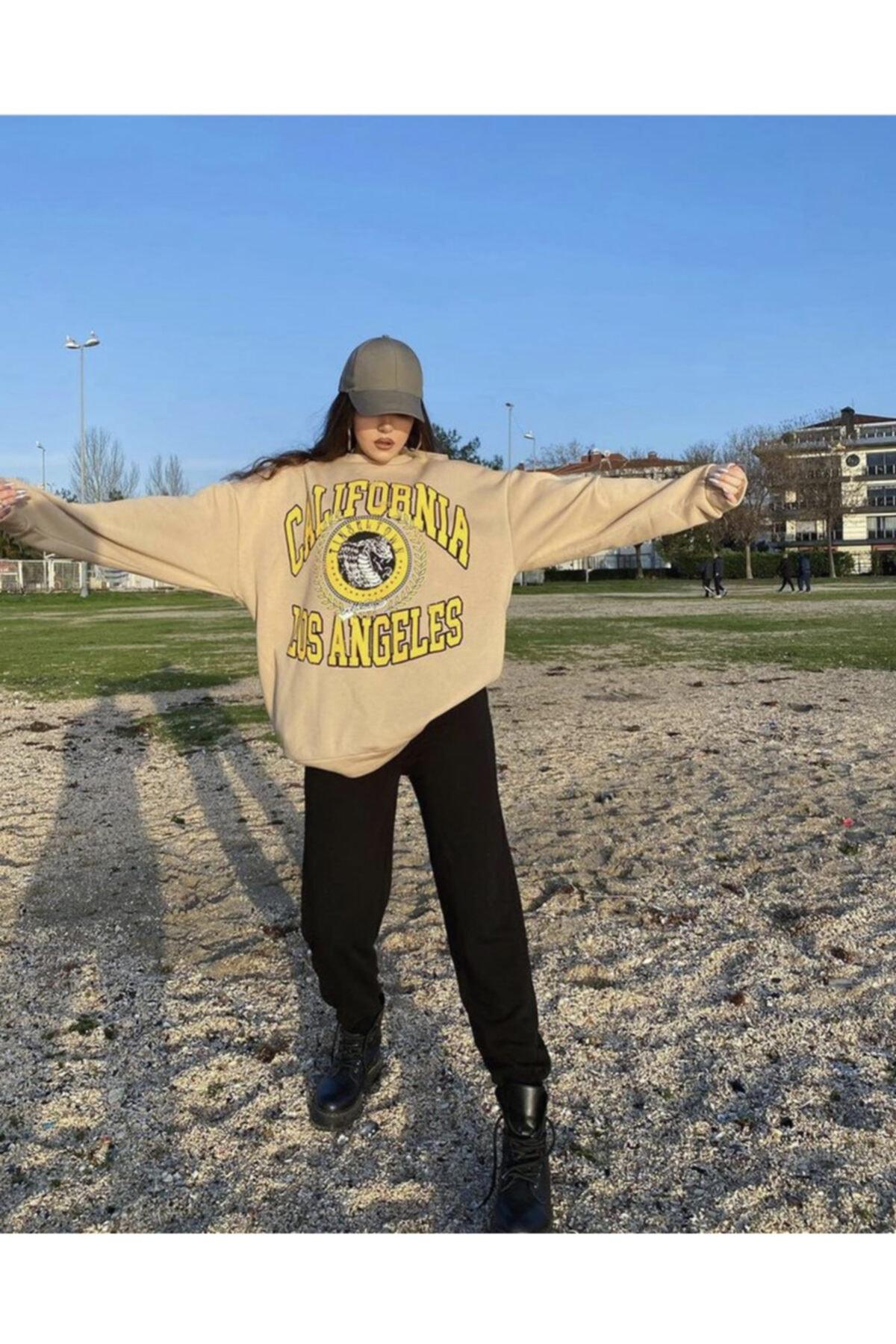 KTN California Oversize Sweatshirt 2