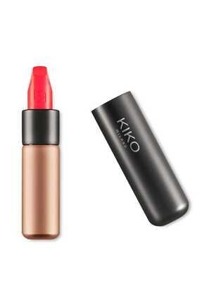 KIKO Saten Mat Ruj - Velvet Passion Matte Lipstick 330 Coral 8025272629874