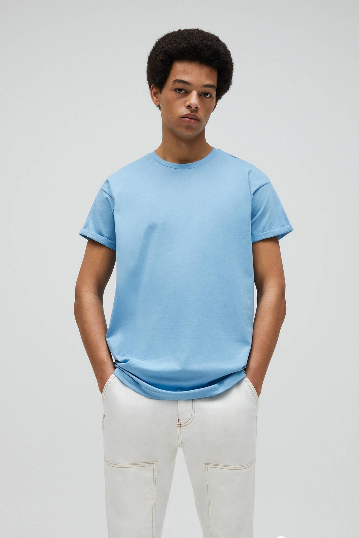 Pull & Bear Erkek Açık Mavi Muscle Fit Basic T-Shirt 09247599