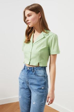 TRENDYOLMİLLA Yeşil Crop Gömlek TWOSS21GO0543