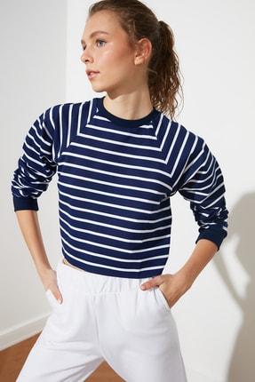 TRENDYOLMİLLA Lacivert Crop Örme  Sweatshirt TWOSS21SW0145