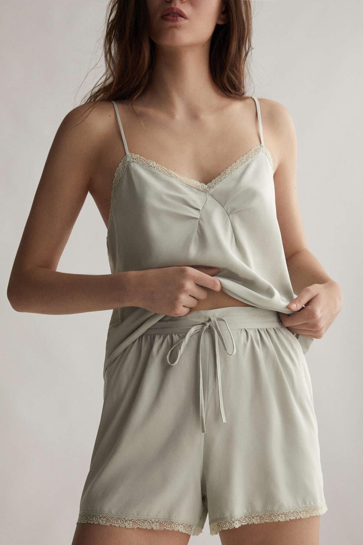 Oysho Kadın Yeşil Valencienne Dantelli Shorts 30102704