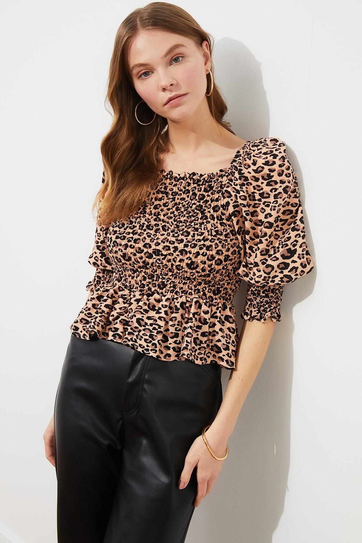 TRENDYOLMİLLA Çok Renkli Volanlı Bluz TWOSS21BZ0228 1