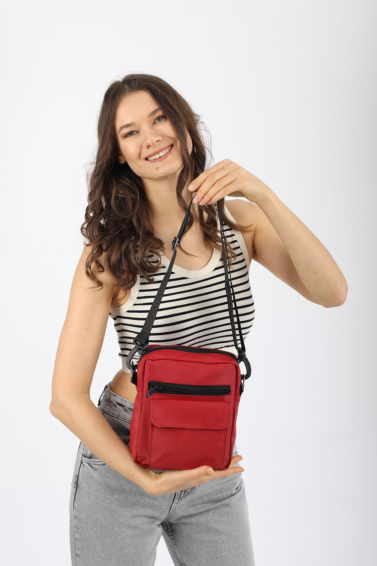 Madamra Aynı Butikte 2. Ürün 1 TL Kırmızı Unisex Saten Kumaş Askılı Çapraz Çanta