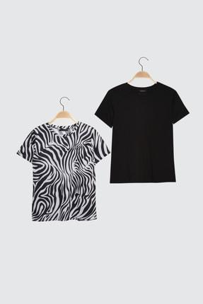 TRENDYOLMİLLA Siyah-Çok Renkli 2'li Paket Bisiklet Yaka Basic Örme T-Shirt TWOSS21TS0408
