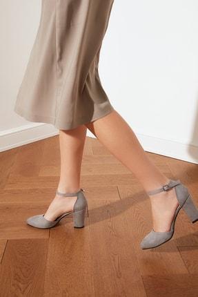 TRENDYOLMİLLA Taş Bilekten Bantlı Kadın Klasik Topuklu Ayakkabı TAKSS21TO0022