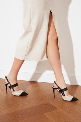 TRENDYOLMİLLA Siyah Blok Renkli Kadın Klasik Topuklu Ayakkabı TAKSS21TO0003