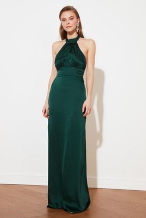 TRENDYOLMİLLA Zümrüt Yeşili Sırt Detaylı Saten Abiye & Mezuniyet Elbisesi TPRSS21AE0024