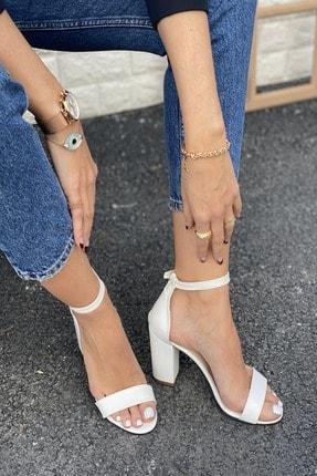İnan Ayakkabı Kadın Beyaz Tek Bant Bilekten Tokalı Topuklu Ayakkabı