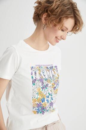 DeFacto Kadın Ekru Çiçek Baskılı Pamuklu Relax Fit Kısa Kollu Tişört