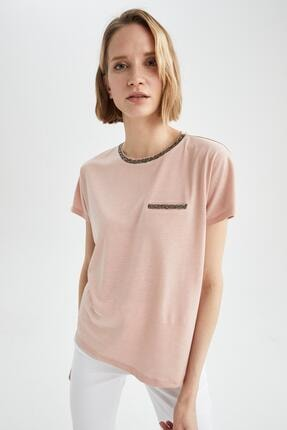 DeFacto Kadın Pembe Sim Detaylı Yaka Relax Fit Tişört