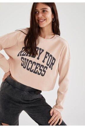 DeFacto Kadın Pembe Slogan Baskılı Düşük Omuzlu Crop Sweatshirt