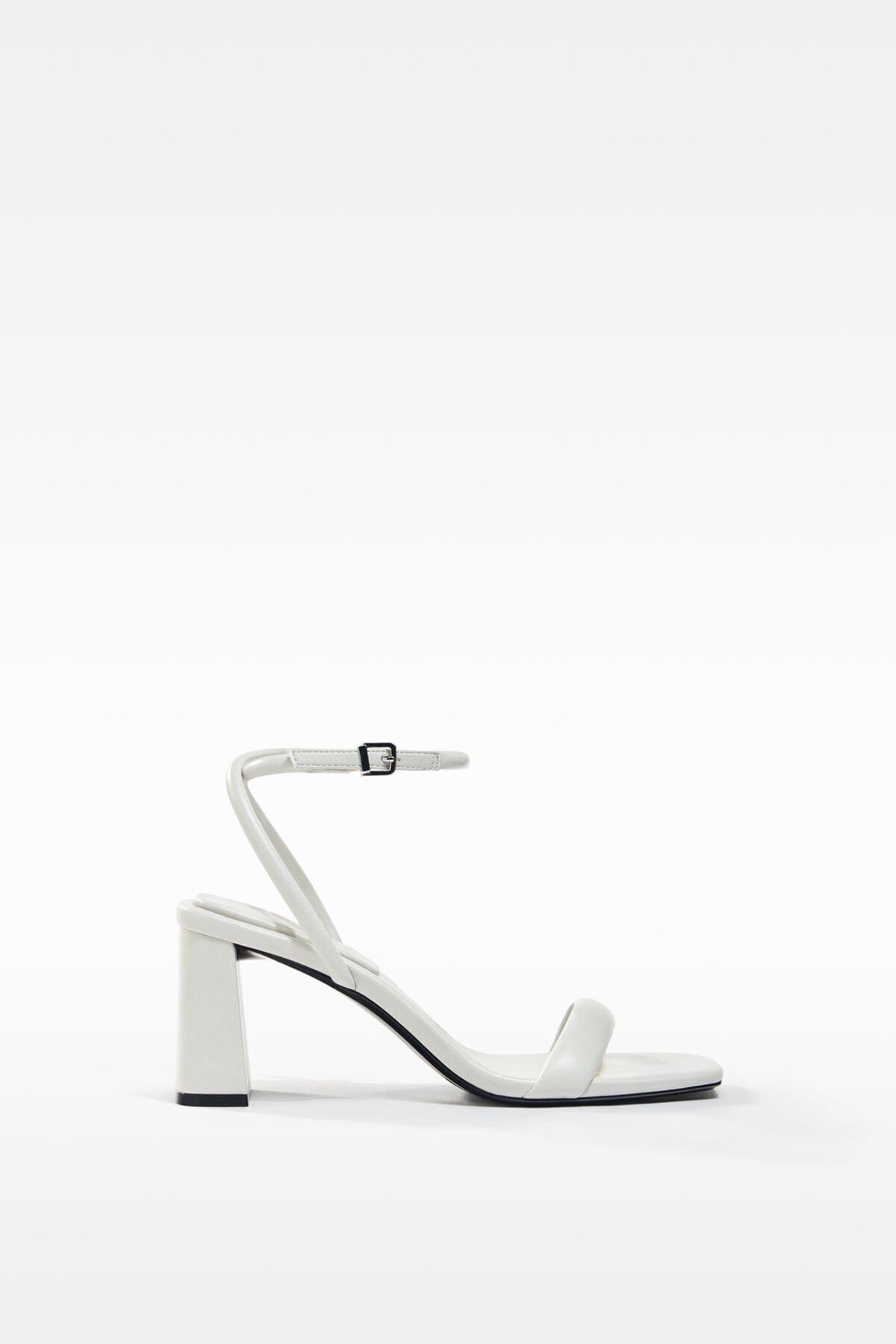 Bershka Dolgulu Bantlı Topuklu Sandalet 1